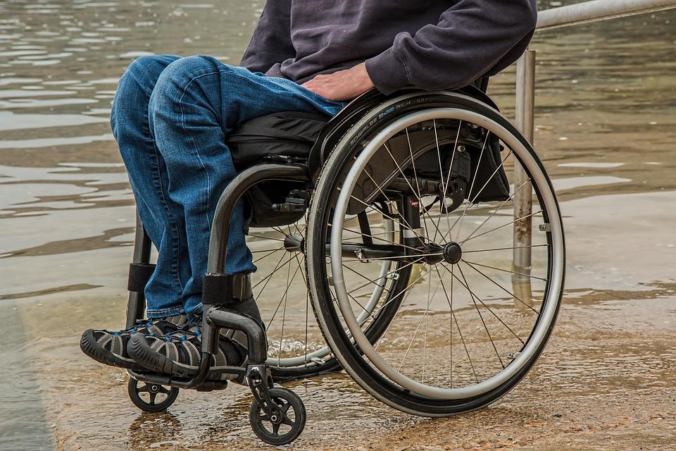 車椅子に乗る人 夢占い