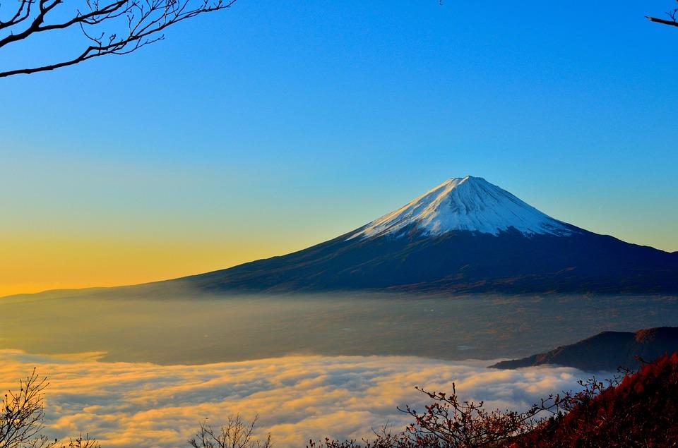 富士山の夢20選!登る・登山・噴火・絵など