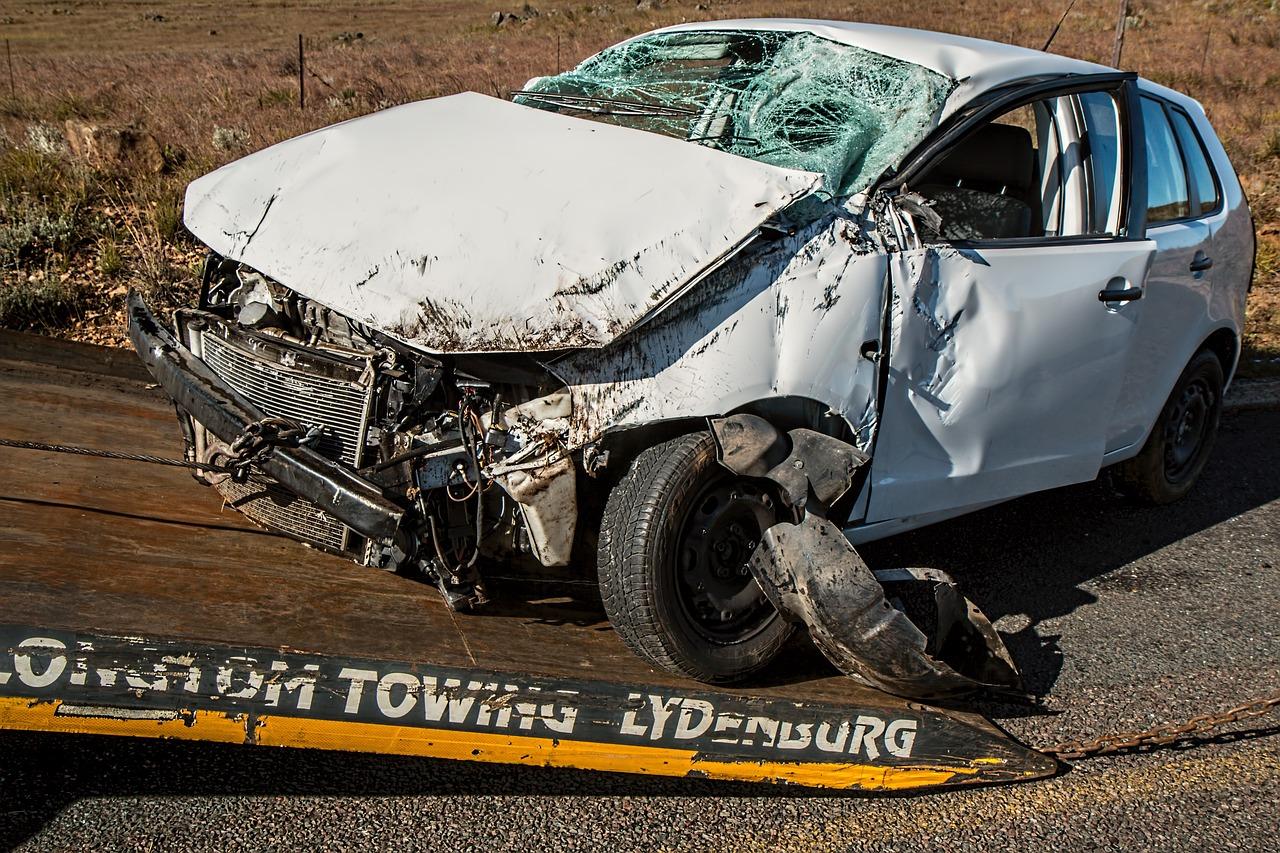 夢占い運転の意味3:運転して事故を起こす夢