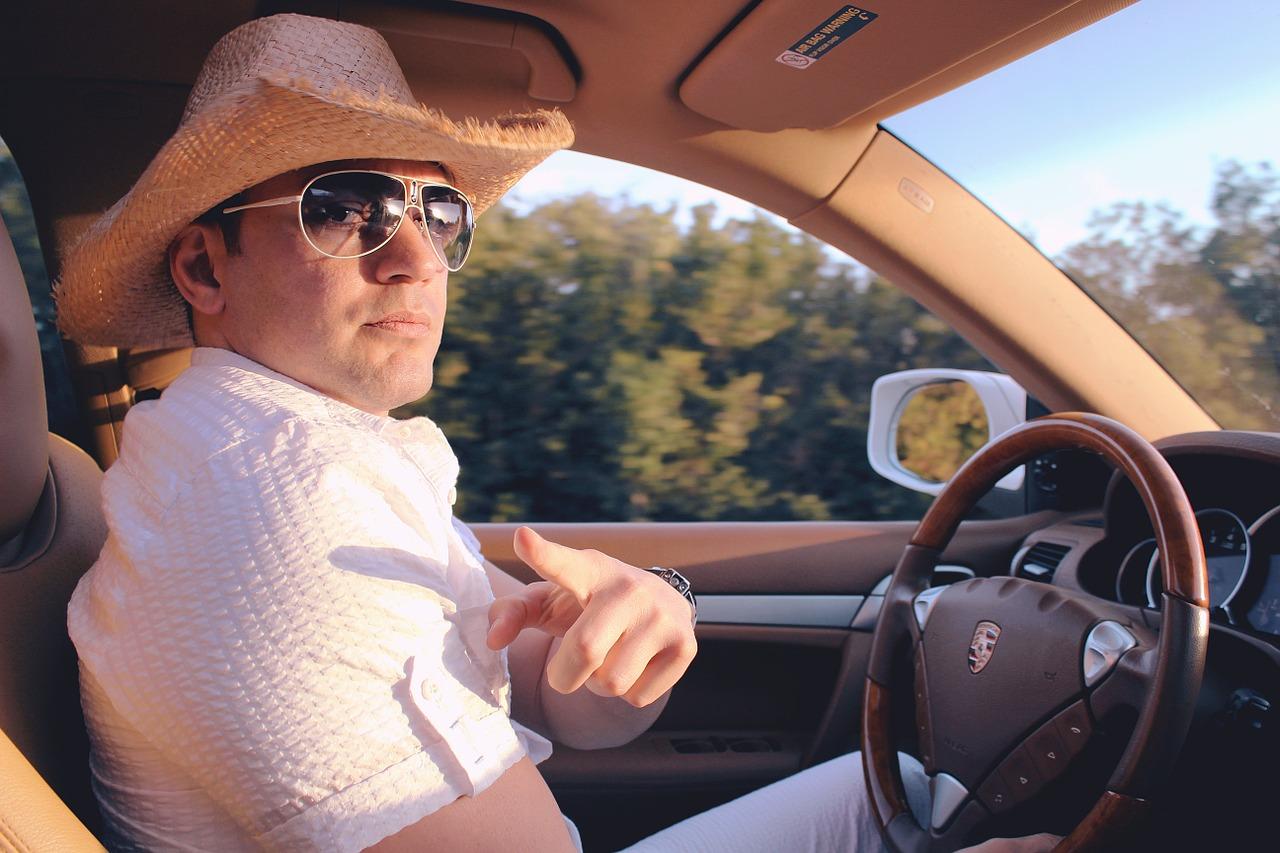夢占い運転の意味5:不注意運転をする夢