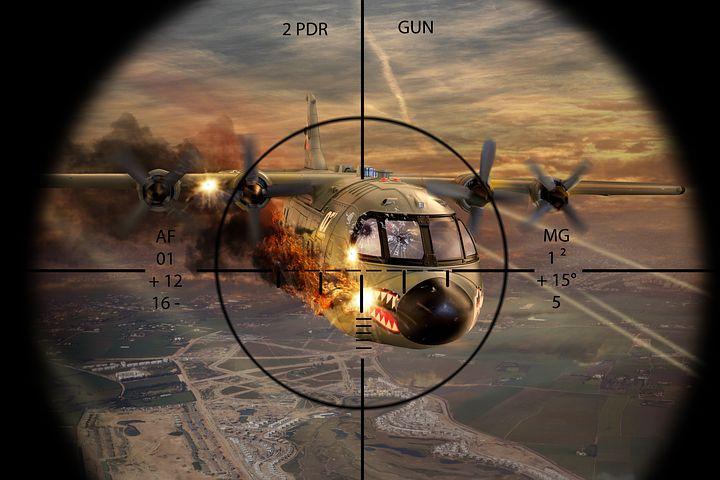 【夢占い】飛行機墜落の夢の意味24選!海・爆発するなど