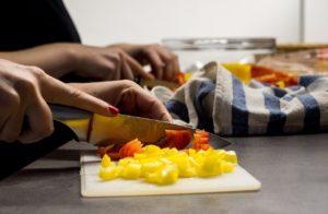野菜を切る夢占い